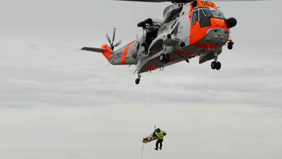 REDDET: Den savnede 43-åringen fra Sandefjord har vært savnet siden fredag, og ble i formiddag funnet alvorlig skadd ved Vesterøya i Sandefjord. Foto: Lasse Ljung / Nyhetsfoto