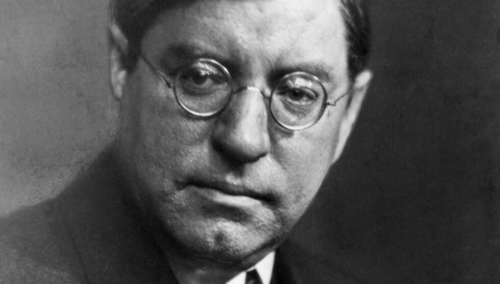 VIDLØFTIG FANTASTI: Sven Elvestad, alias Stein Riverton, ble journalist som 15-åring, og viste straks både skrivekunst og vidløftig fantasi. Alt i 1902, 18 år gammel, forsøkte han seg som krimforfatter. Foto: SCANPIX