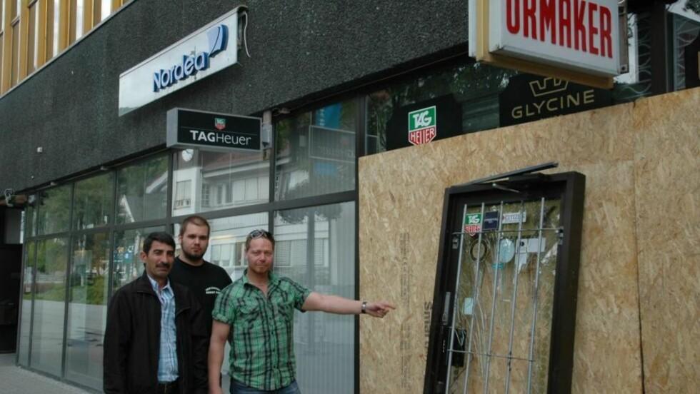 SJOKKERTE: Seiwan Catif, Daniel Offerdal og Roger Brenden ble truet med pistol av urmakertyver. Foto: KRISTIN BØHN EVENSEN