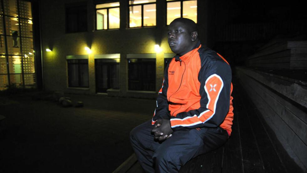 - HAN VILLE SPILLE: Mathare-lagleder Peter Karanja sier at den smittede spilleren er i god form og at han helst ville ha vært med å spille i morgen.