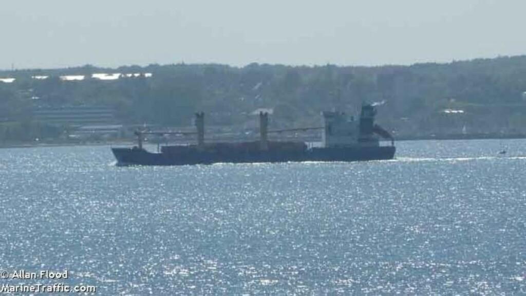 - KAPRET Det Malta-registrerte lasteskipet Arctic Sea med en russisk besetning på 15 skal ha blitt kapret utenfor svenskekysten natt til 24. juli i år. Foto: marinetraffic.com/Expressen