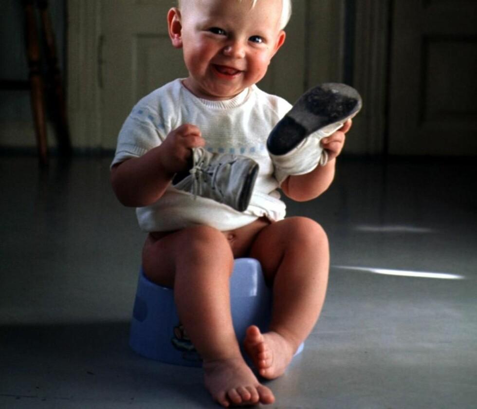 FLINK GUTT: Med moderne, behagelige og tørre bleier og få hjemmeværende foreldre, er barn stadig eldre når de slutter med bleier. Foto: Scanpix
