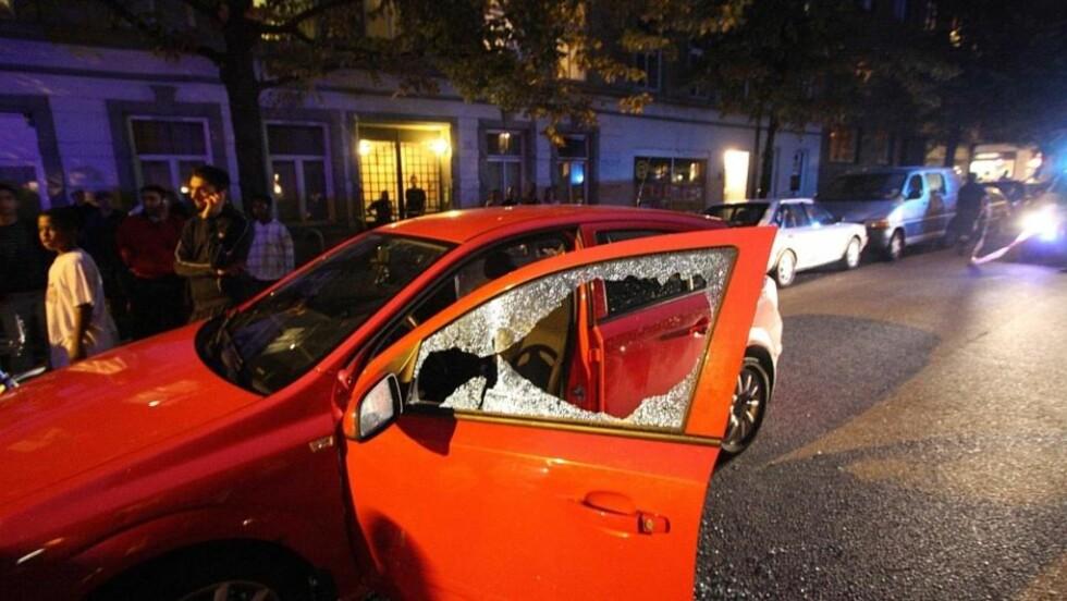 TØYEN-DRAPET: En 38-åring ble skutt og drept sent søndag kveld. En annen mann som satt i samme bil som drapsofferet ble lettere skadet. Foto: Svein Gustav Wilhelmsen