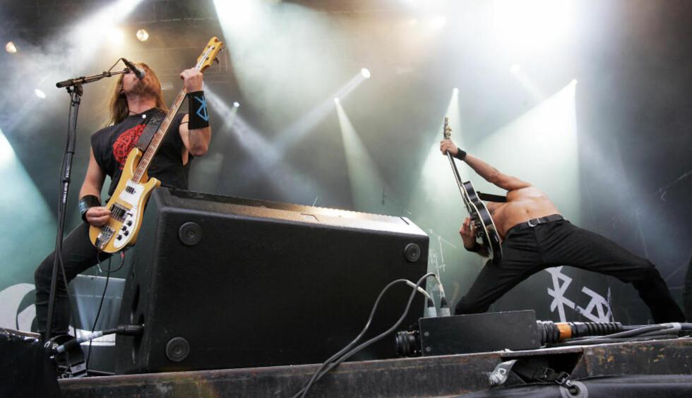 VET SLETT IKKE BEST: Komponisten i bandet Enslaved innrømmer gjerne at han støtter seg til fagfolk på en hel rekke områder, da han som folk flest ikke bestandig vet best. Foto: Lise Åserud / SCANPIX .