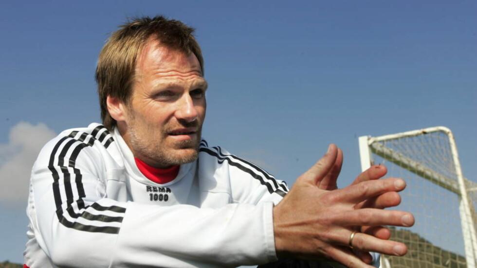 GAMBLER: Sportslig leder i RBK, Erik Hoftun, legger ikke skjul på at RBK gambler litt når så mange spillere forlater klubben. Foto: Erik Berglund / DAGBLADET.