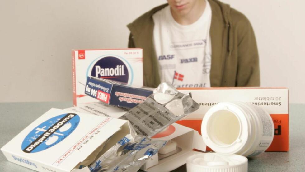 PILLER MOT ALT: Ifølge eksperter har mange unge et høyt forbruk av smertestillende, blant annet fordi de tror at all smerte må kureres. FOTO: KRISTIAN RIDDER-NIELSEN