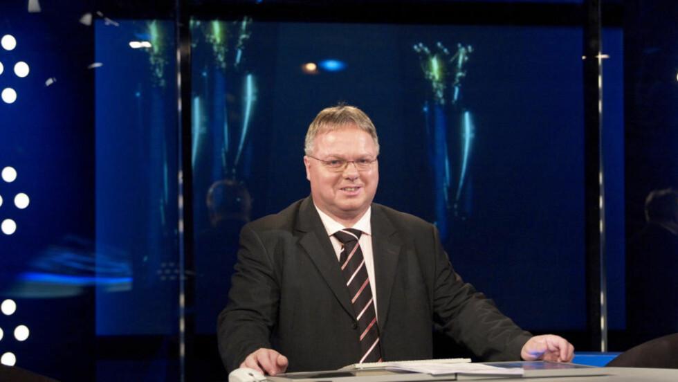 SVARER DEG: Canal Plus-studioanker Dag Solheim svarer på dine spørsmål om seriestarten i England fredag klokka 12.Foto: Canal Plus