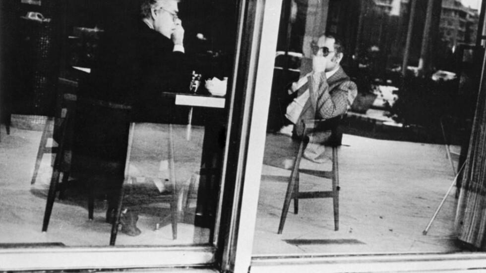 I ATHEN: Arne Treholt fotografert sammen med den irakiske etterretningsoffiseren Mohammed A. Radi i Athen i oktober 1983.  Radi var førstesekretær ved den irakiske ambassaden i Paris.   Foto: PST / SCANPIX / HANDOUT