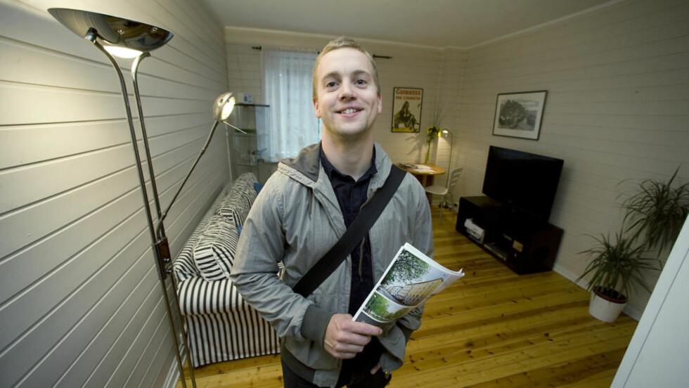 PÅ UTKIKK: Marius Knagenhjelm (29) er på visning. Han er blant mange som nå dropper å leie og heller kjøper sin første bolig. Foto: John Terje Pedersen