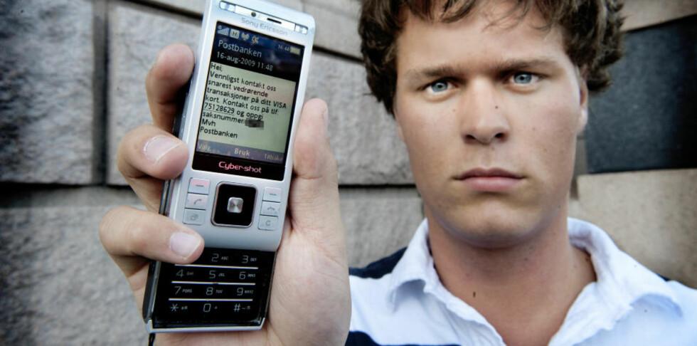 BLE SVINDLET: Anders' konto ble tappet for 30 000 kroner. Transaksjonene ble foretatt i London, mens 20-åringen befant seg i Oslo. Foto: JOHN TERJE PEDERSEN