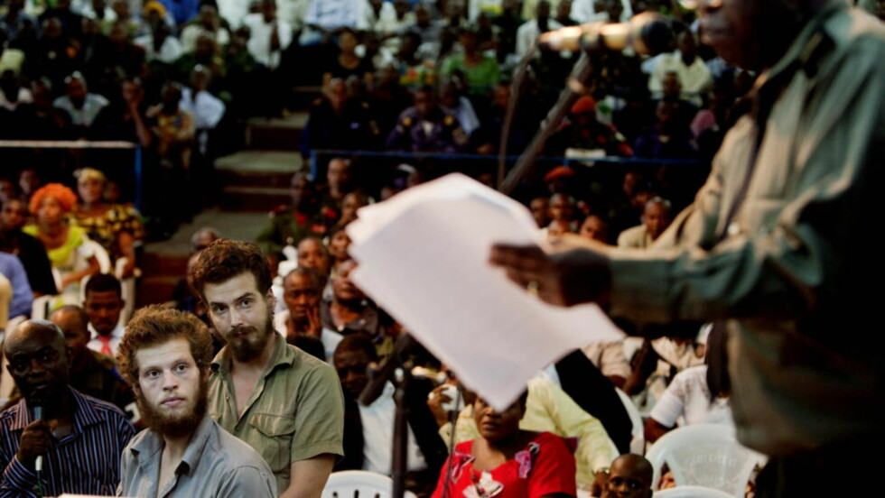 SINTE: Både aktor (foran) og de pårørendes bistandsadvokater gikk i retten i dag kraftig ut mor Tjostolv Moland og Joshua Frenchs stillhet i retten. Foto: Espen Røst