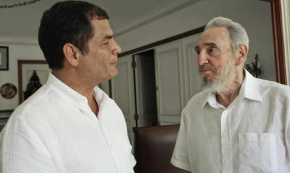 UTE AV JOGGEDRESSEN: Fidel Castro (til venstre) var tilsynelatende i god form Ecuadors president Rafael Correa besøkte Havana. Foto: AP Photo/Juventud Rebelde
