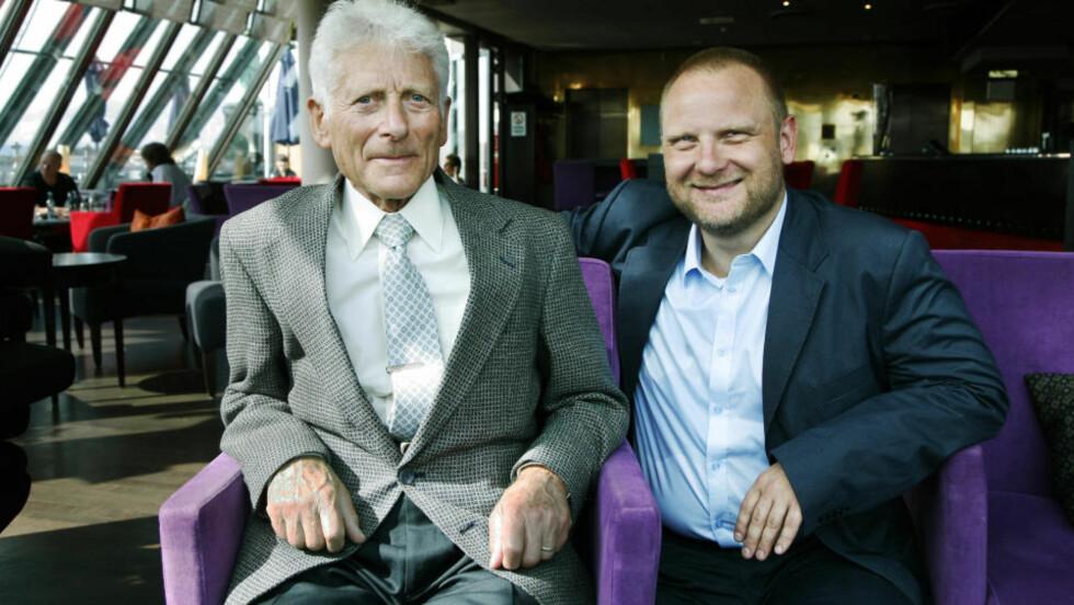 OVERLEVDE HOLOCAUST: Frank Rossavik har skrevet historien om jødiske Edgar Brichta (79) fra Tsjekkoslovakia,s om flyktet til Norge under andre verdenskrig. I dag er han pensjonert lege i Californias hovedstad Sacramento, hvor han bor sammen med kona Judy.