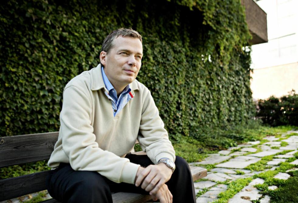 PÅ EGEN HÅND: Geir Isene (42) er ferdig med Scientologikirken. Nå vil han kaste lys over det han mener er overtramp fra bevegelsens side. Foto: NINA HANSEN/DAGBLADET