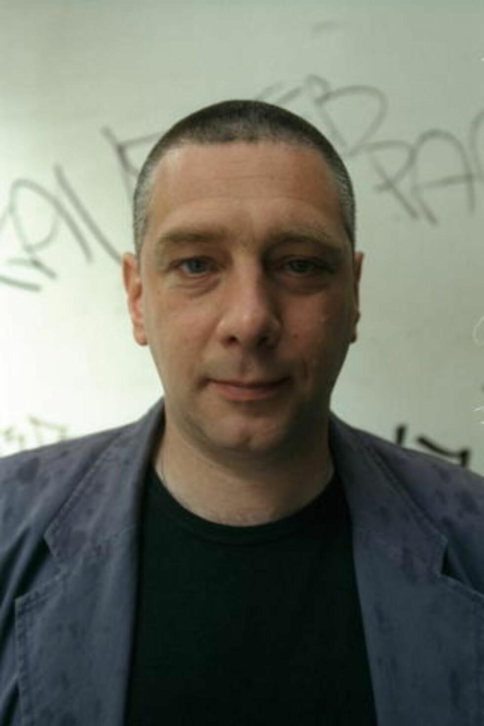 ANERKJENT: Pjotr Sapegin har laget sin eget Frp-protest.