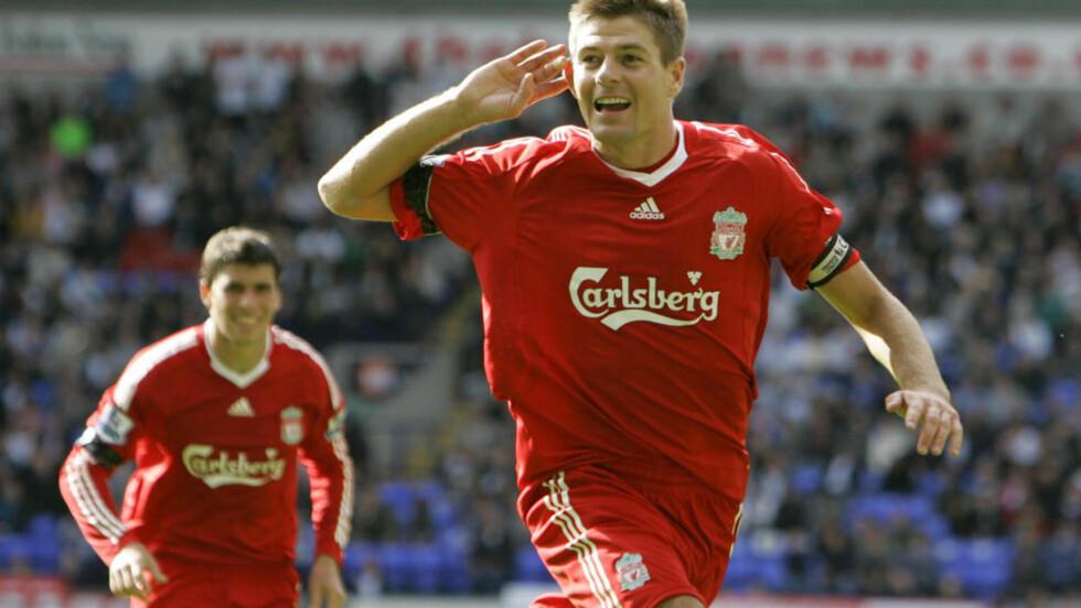 HVA SIER DERE NÅ? Steven Gerrard har måtte tåle mye kritikk for serieåpningen sin. I dag svarte han med å avgjøre mot Bolton. Foto: AP