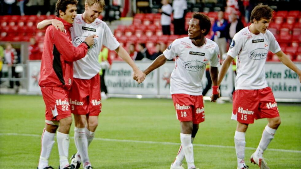 IKKE HELT SOM NORMALT Fredrikstads Raio Piiroja (nummer to fra venstre) tjener bedre enn ligningen tilsier. Foto: Linn Cathrin Olsen / SCANPIX