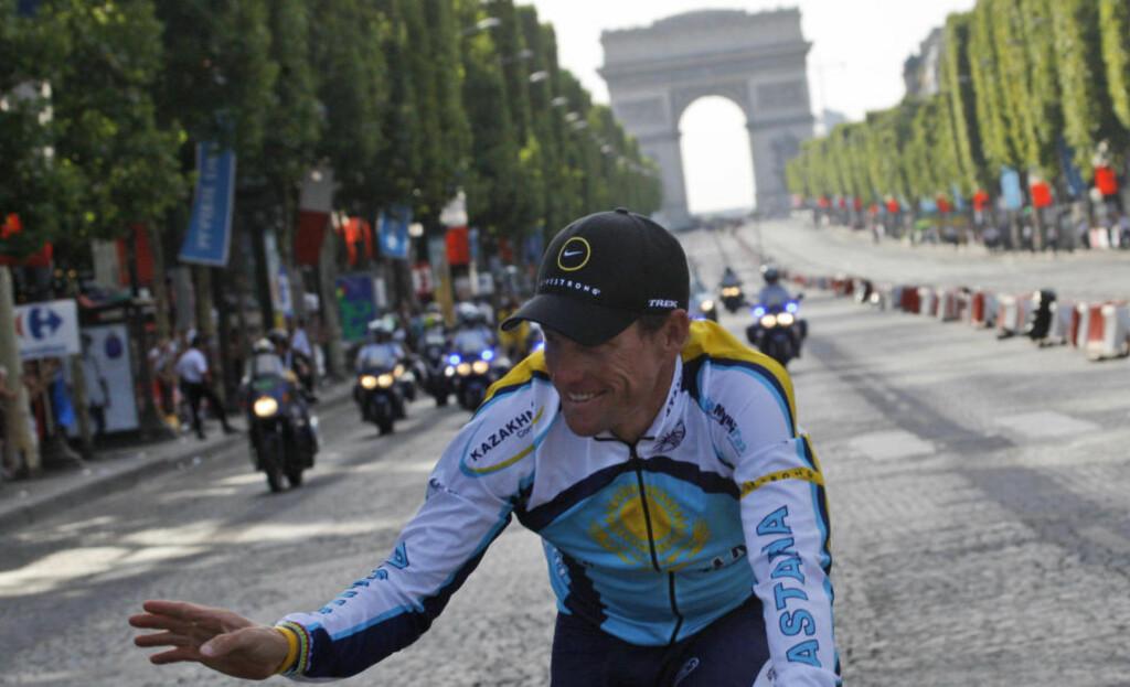 SLÅR TILBAKE: Lance Armstrong slår tilbake mot den danske blodeksperten Jakob Mørkebjerg og peker på det faktum at ingen ryttere på Astana-laget har avlagt positive dopingprøver verken før, under eller etter Tour de France.Foto: SCANPIX/AP Photo/Christophe Ena