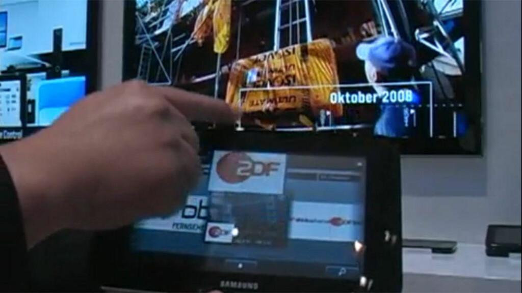 BERØRINGSSKJERM: Samsungs fjernkontrollprototype har en syv tommers berøringsskjerm. Den gjør det mulig å se TV-sendinger og surfe på nettet. Foto: IDG NEWS/GRAB NETWORKS