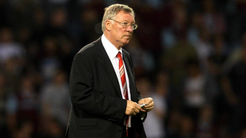 RENT MEL I POSEN: Manchester United, her representert ved manager Sir Alex Ferguson, hevder at Paul Pogbas overgang ble utført etter boka. Foto: Scott Heppell / AP.