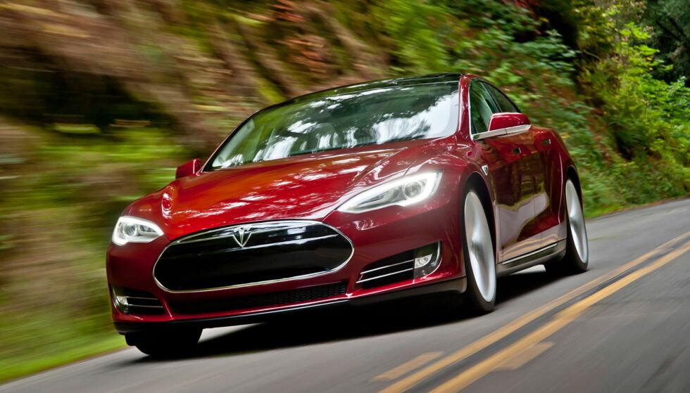KAN BLI DYRERE: Arbeiderpartiet vil sette et tak på hvor stort avgiftsfritak dyre elbiler skal få. Det kan gjøre Tesla betydelig dyrere, ifølge Dagens Næringsliv.