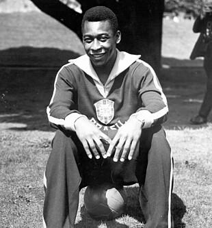 <strong>&nbsp;1963:</strong> Pelé på trening med landslaget. Foto: NTB Scanpix