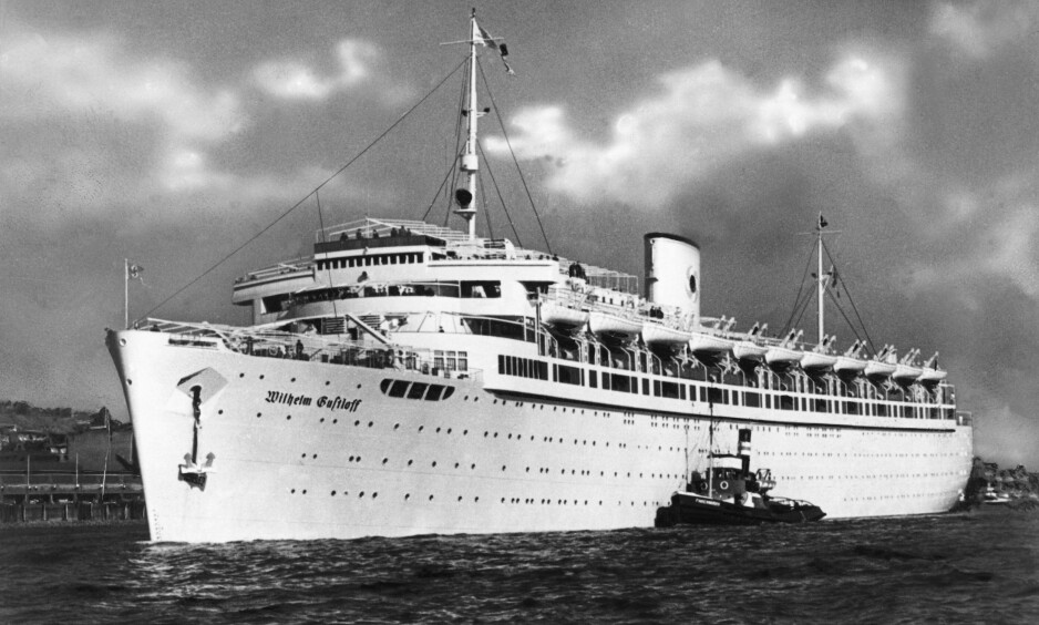 HITLERS STOLTHET: «Wilhelm Gustloff» var opprinnelig cruiseskip for arbeiderne i programmet «Kraft durch Freude» (Kraft gjennom glede), men ble seinere først hospitalskip for deretter å bli brakkeskip. I 1945 bestemte myndighetene at hun skulle settes inn i «Operasjon Hannibal» - evakueringen av tyskere fra østområdene. Her er skipet avbildet i 1938. Foto: AKG / NTB Scanpix