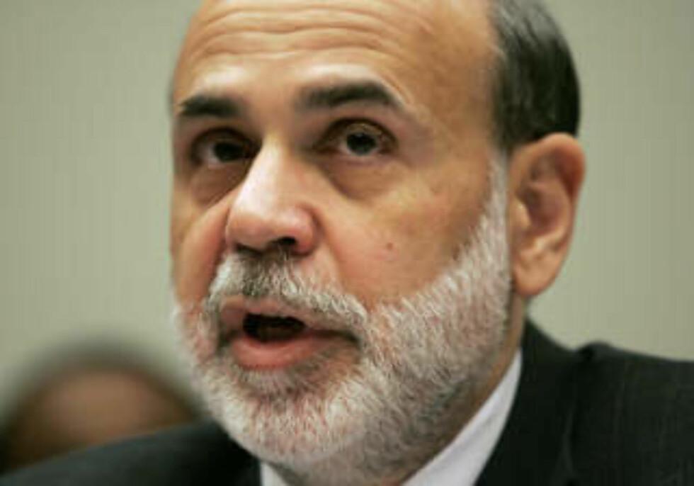 ENSTEMMIG: Styret i Federal Reserve stilte seg enstemmig bak beslutningen om å sette ned styringsrenta fra det tidligere nivået på 1,0 prosent. på bildet ser vi USAs sentralbanksjef, Ben Bernanke. Foto: REUTERS/Molly Riley/Files/SCANPIX