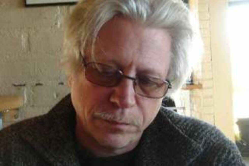 ÅRETS FLAUESTE: Redaktør Helge Øgrim i Journalisten fikk kjeft av eieren, Norsk Journalistlag. Hans «synd»? Å tillate nettdebatt uten forhåndsredigering. Foto: PRIVAT
