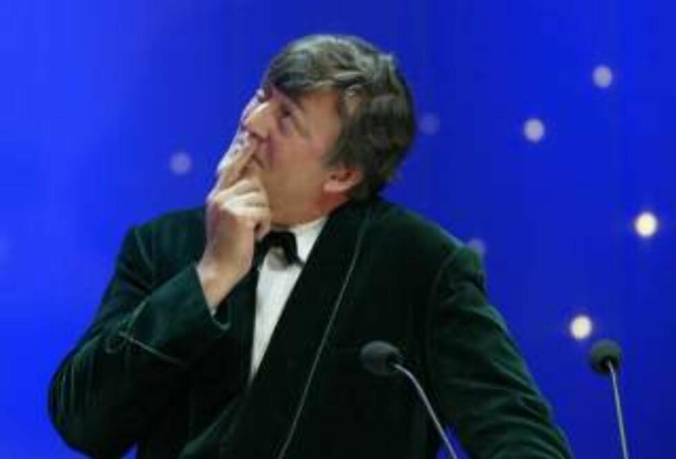 ÅRETS NERD: Komiker Stephen Fry har 30.000 venner på Twitter. Foto: SCANPIX