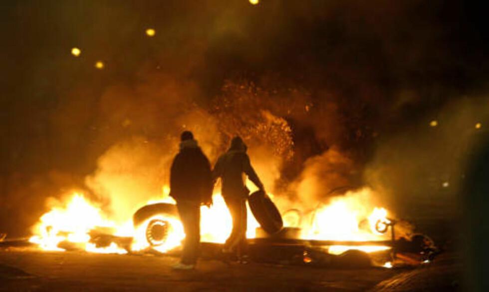 FYRER OPP:  Politiet kaller situasjonen i Rosengård vanskelig.  Foto: Drago Prvulovic / SCANPIX