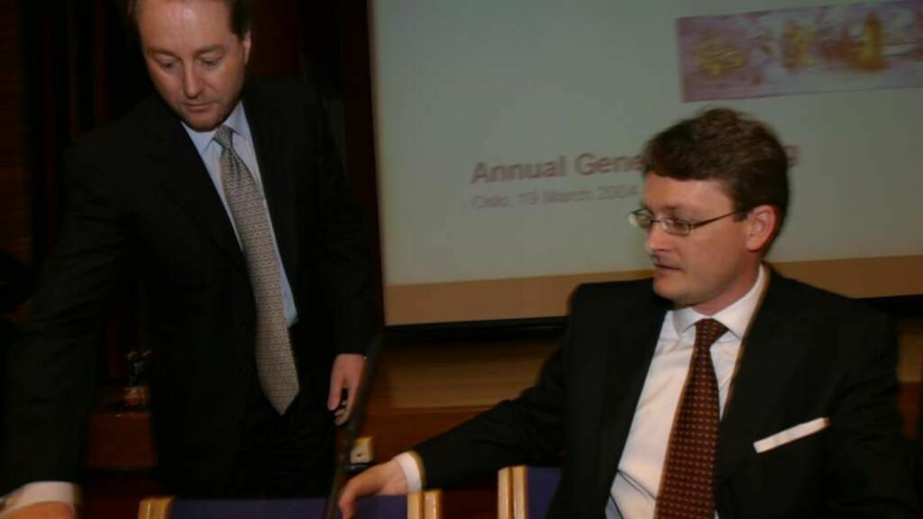 NY SJEF: Bildet er fra generalforsamling i  Aker Kværner. Kjell Inge Røkke (t..v) og daværende Bahr-advokat Øyvind Eriksen. Nå blir Eriksen sjefen sjøl. Arkivfoto: Tor Richardsen / SCANPIX