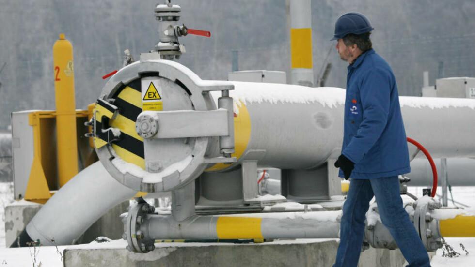 RAMMES: Flere europeiske land, blant annet Tsjekkia der dette bildet er tatt, rammes når Russland nå har slått av gasskrana.           Foto: REUTERS/Petr Josek/Scanpix