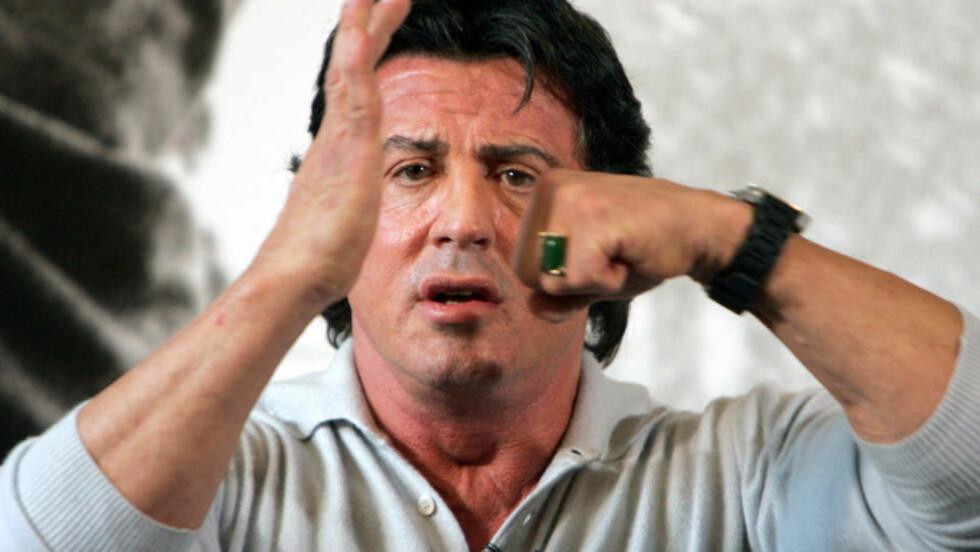 MUSKELMENN: Sylvester Stallone har samlet en hel rekke kjente muskelmenn til sin nye film «The Expendables».
