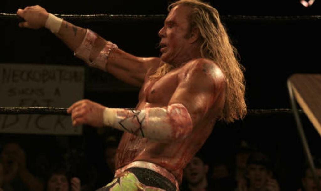 GJORDE ALT SELV: Mickey Rourke gjorde alle stuntene i «The Wrestler» selv.