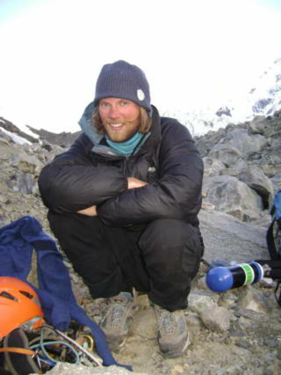 PÅ VEI OPP: Rolf Bae PÅ 5300 meters høyde, på vei opp mot K2. Foto: PRIVAT