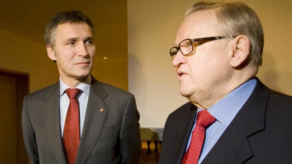 AKTUELL FOR MIDTØSTEN FN ønsker at vinner av Nobels fredspris, finske Martti Ahtisaari, skal se på forholdene i Midtøsten og konflikten mellom palestinerne og Israel. Dette bildet er tatt da fredsprisvinneren møtte statsminister Jens Stoltenberg til frokost i den nye statsministerboligen like før jul. Foto: HÅKON MOSVOLD LARSEN/SCANPIX