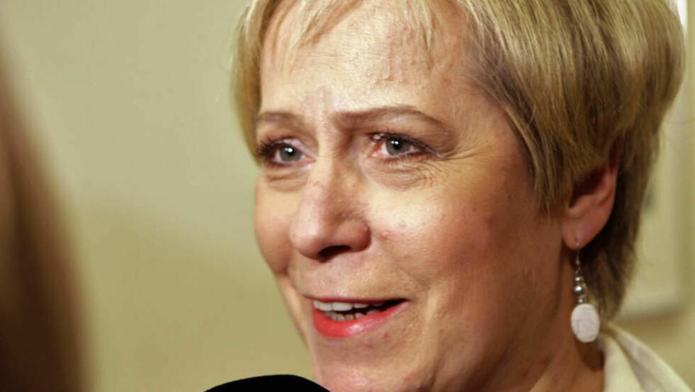 DANNER NY REGJERING: Lederen for sosialdemokratene på Island, Ingibjörg solrun Gisladottir, har fått i oppdrag å sanne ny regjering på Island. Foto: REUTERS/SCANPIX