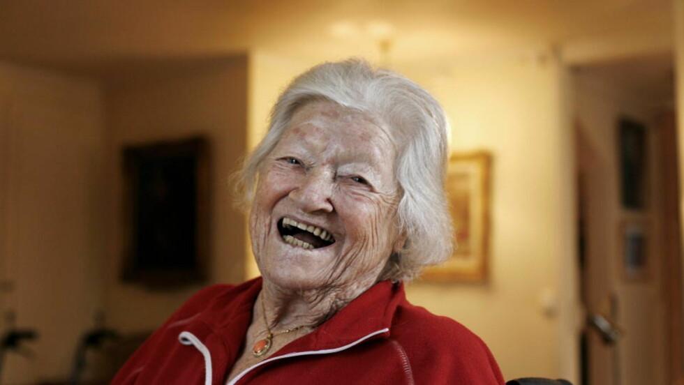 GIR UT SELVBIOGRAFI: Tikken Manus (94) har gitt ut selvbiografien sin, ført i pennen av NRK-journalist Kaja Frøysa. Den blir ikke godt mottatt av Dagbladets anmelder. Foto: HENNING LILLEGÅRD