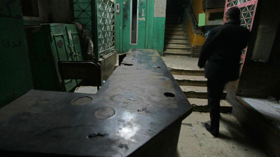 <strong>LEVDE I EGYPT:</strong> På dette nå nedlagte hotellet, Qasr el-Medina, i Kairo i Egypt levde Aribert Heim. Nye dokumenter viser at Heim døde i 1992. Han skal ha levd i Kairo under falsk identitet med navnet Tarek Hussein Farid og ha konvertert til Islam. Foto: Cris Bouroncle/Scanpix