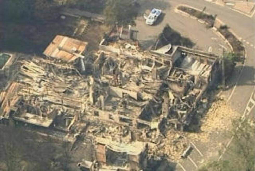 MANGE MISTET HJEMMET: Hundrevis av hus er brent ned i skogbrannene som har herjet de siste dagene. Hele småbyer er ødelagt, ifølge politiet. Foto: AP/SCANPIX