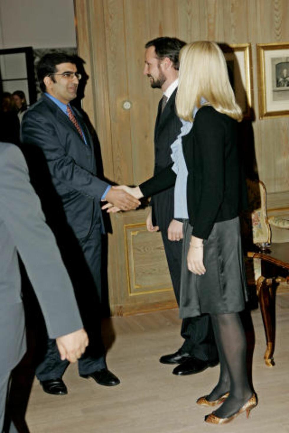 KULTURELL FRIHET: I 2007 holdt Shoiab Sultan foredrag om kulturell frihet for kronprins Haakon og kronprinsesse Mette-Marit med påfølgende middag på Skaugum. Foto:  Stian Lysberg Solum / SCANPIX
