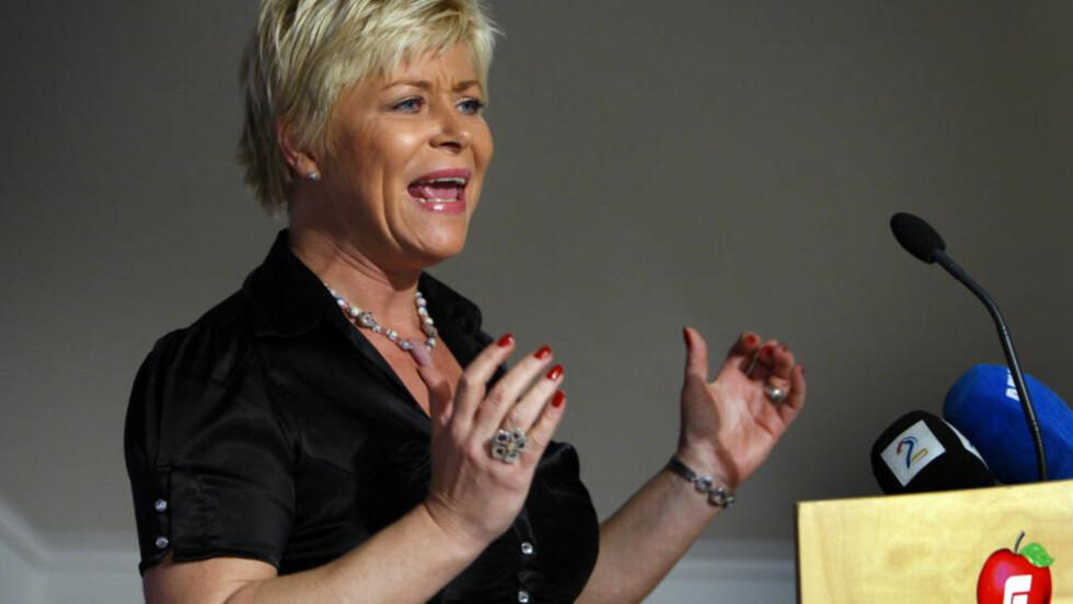 HARDT UT:  Siv Jensen har tjent stort på utspillet om den påståtte snikislamiseringen av Norge. Nå går hun enda lenger og kaller kampen mot radikal islamisme vår tids viktigste.  Foto: Erlend Aas / SCANPIX