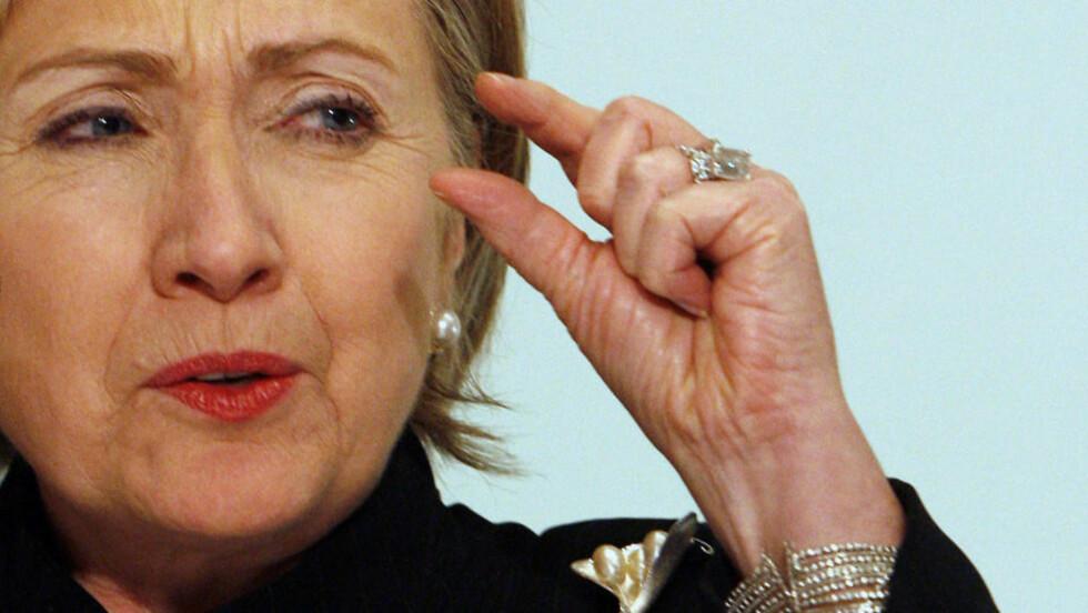 FIRER PÅ KRAVENE: Vil utenriksminister Hillary Clinton fire for mye på de amerikanske kravene, når hun i dag skal møte sin russiske motpart, Sergei Lavrov? Foto: REUTERS/Asmaa Waguih/SCANPIX