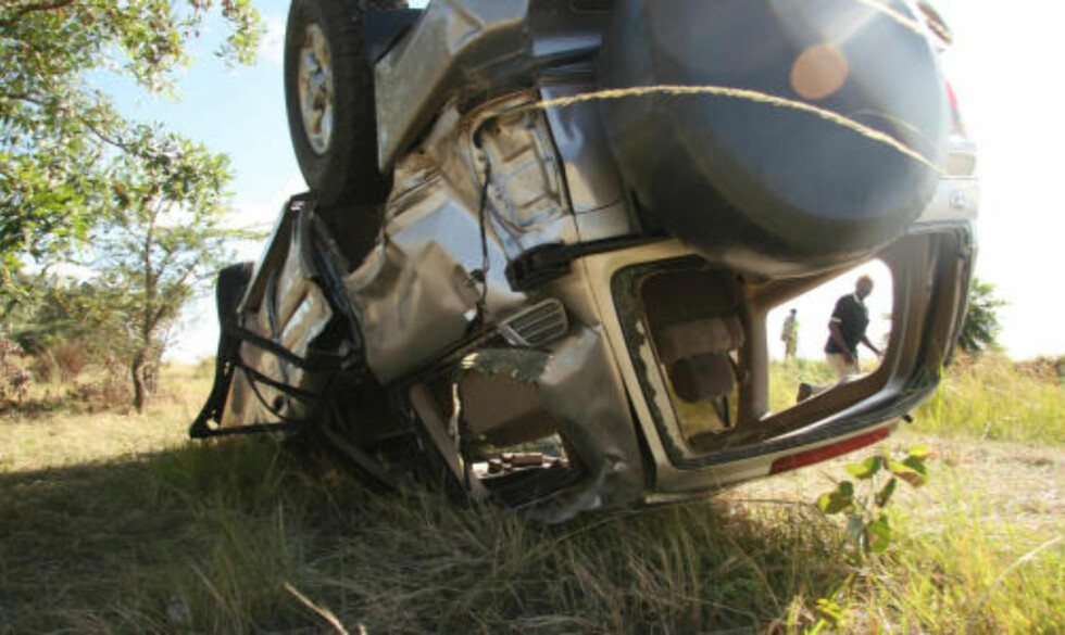 BLE KASTET RUNDT TRE GANGER: Susan Tsvangirai ble kastet ut av bilen. Foto: AP/Scanpix
