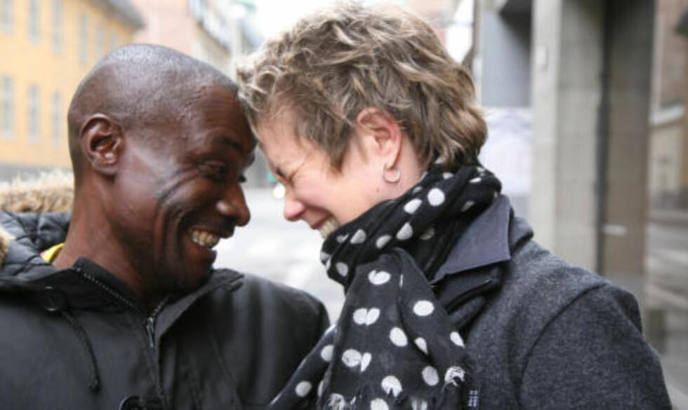 GODE VENNER: Bernard Kalume (49) og Lisa F. Jackson jobbet tett sammen i Kongo. Nå er de i Norge for å vise filmen The Greatest Silence: Rape in the Congo. Foto: Line Fransson