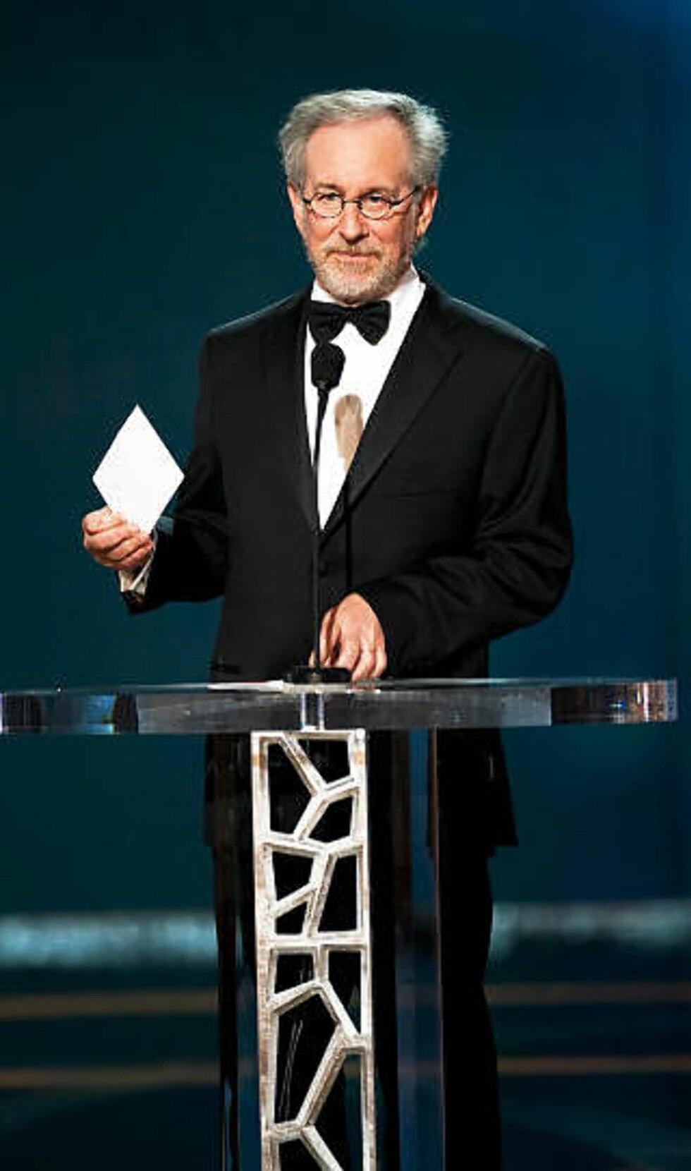 KUNDE: Steven Spielberg er blant de mange som betrodde Madoff sparepengene sine. Mange, blant dem nobelprisvinner Eli Wiesel og kona, har mistet alle sparepengene sine. Foto: PETER YADA/EPA/SCANPIX