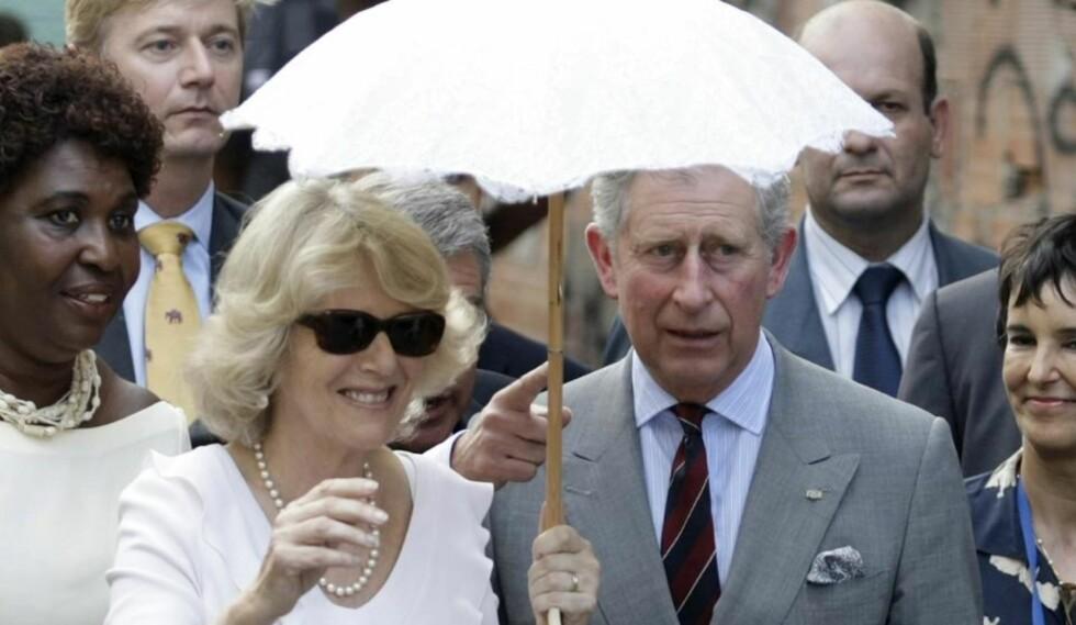 BEKYMRET:  På besøk i Brasil uttrykte prins Charles sterk bekymring for klimaet. Her sammen med kona hertuginne Camilla av Cornwall. Foto:  REUTERS/Sergio Moraes
