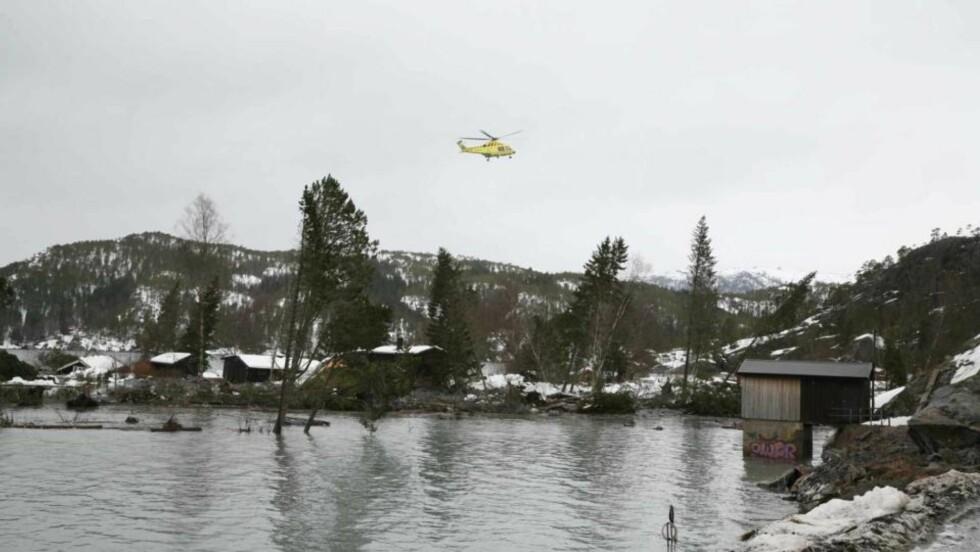 STORT RAS: Flere hus og hytter er tatt av raset i Namsos. Foto: MARTIN HÅGENSEN