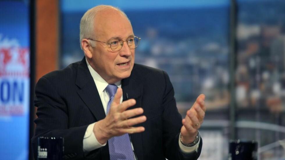 GIR INTERVJU: Dick Cheney fotografert hos CNN, der han forsvarte Bushs politikk. Foto: Kevin Wolf/AP/Scanpix